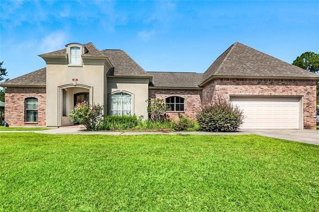 404 Choctaw Drive, Abita Springs, LA 70420 (MLS #2193628) :: Inhab Real Estate