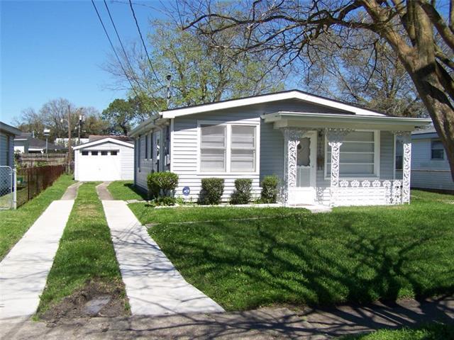 1047 Hawkins Street, Gretna, LA 70053 (MLS #2193764) :: Crescent City Living LLC