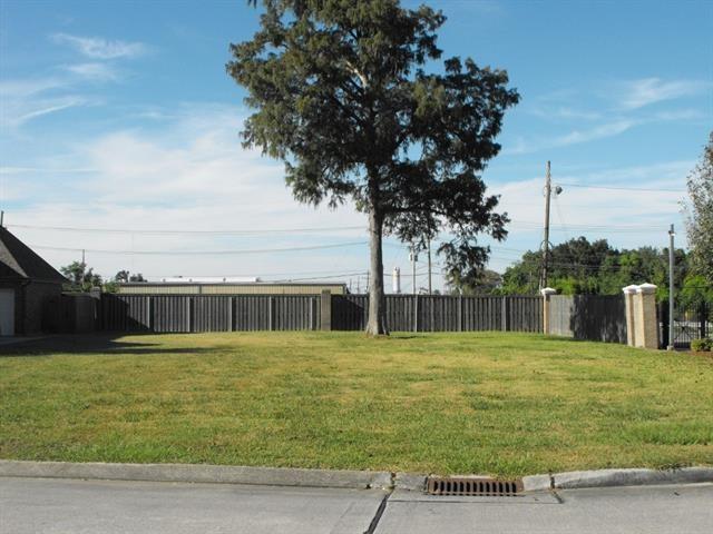 3333 Bridgewater Drive, Harvey, LA 70058 (MLS #2193782) :: Amanda Miller Realty
