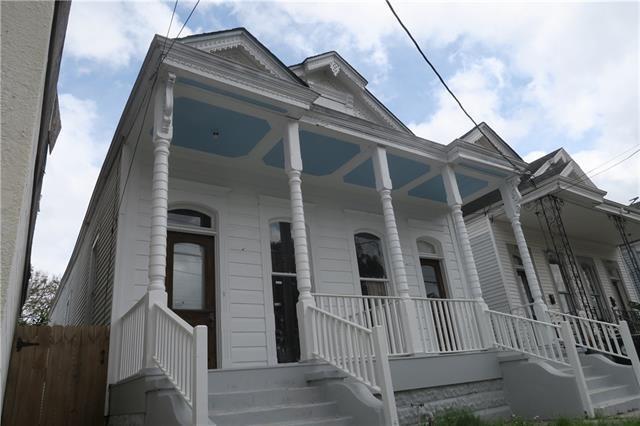 3521 Cleveland Avenue, New Orleans, LA 70119 (MLS #2194642) :: Crescent City Living LLC