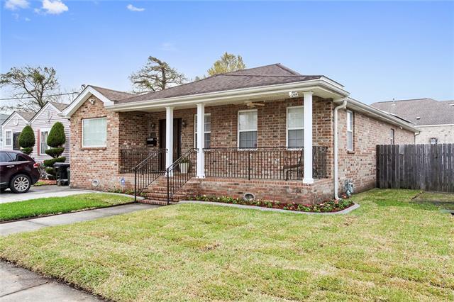 4611 Touro Street, New Orleans, LA 70122 (MLS #2194747) :: Crescent City Living LLC