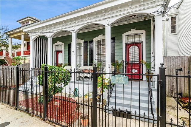 2020-22 Camp Street, New Orleans, LA 70130 (MLS #2194782) :: Crescent City Living LLC