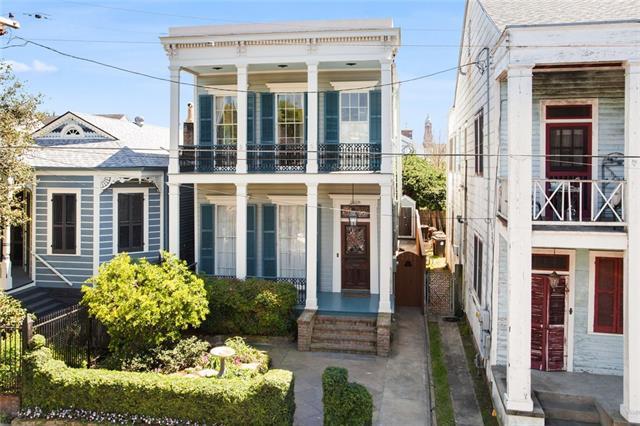 2026 Chestnut Street, New Orleans, LA 70130 (MLS #2195555) :: Crescent City Living LLC