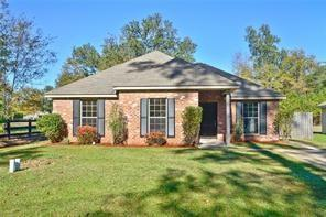 153 Pear Street, Covington, LA 70433 (MLS #2196725) :: Turner Real Estate Group