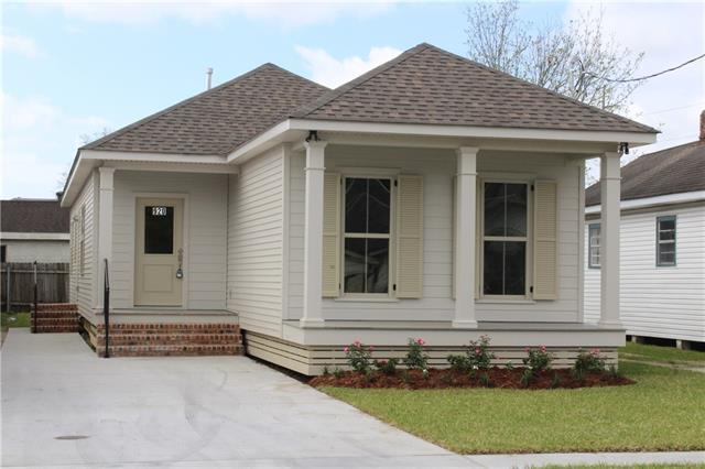 920 Romain Street, Gretna, LA 70053 (MLS #2197181) :: Crescent City Living LLC
