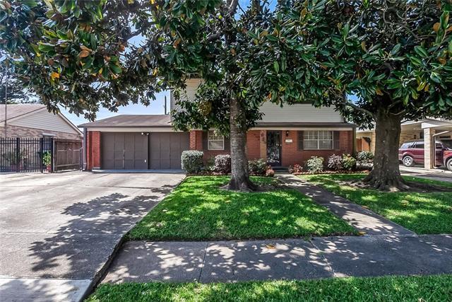 684 Newport Circle, Terrytown, LA 70056 (MLS #2197321) :: Crescent City Living LLC