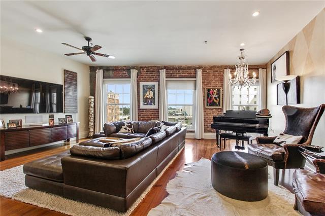 215 N Peters Street D, New Orleans, LA 70130 (MLS #2198297) :: Inhab Real Estate