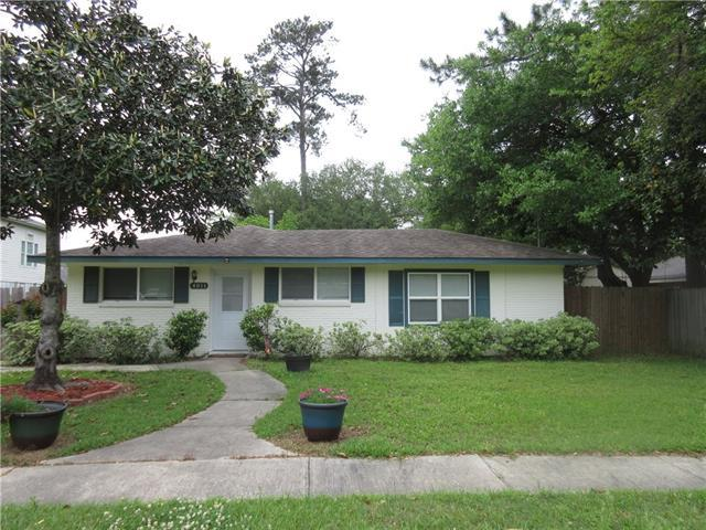 4011 Arrowhead Drive, Slidell, LA 70458 (MLS #2198465) :: Inhab Real Estate