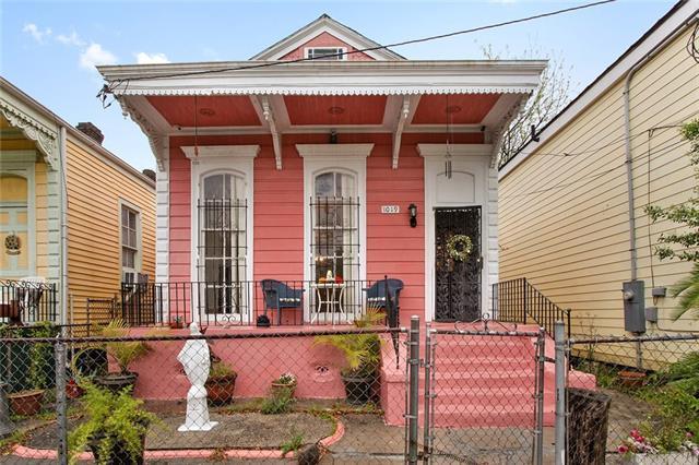 1019 Melpomene Street, New Orleans, LA 70130 (MLS #2198990) :: Inhab Real Estate