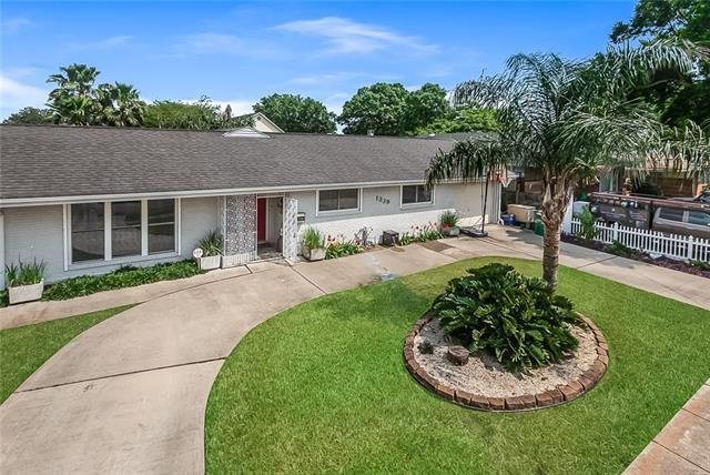 1339 Lakeshore Drive, Metairie, LA 70005 (MLS #2199070) :: Turner Real Estate Group
