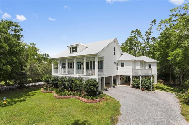 2645 Claiborne Street, Mandeville, LA 70448 (MLS #2199165) :: Turner Real Estate Group