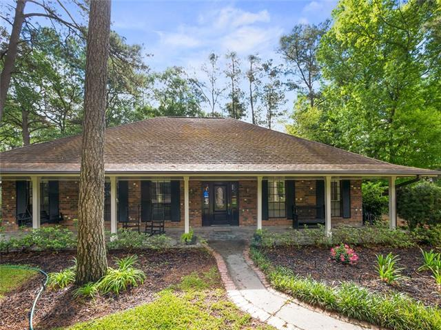 209 Marina Boulevard, Mandeville, LA 70471 (MLS #2199234) :: Inhab Real Estate