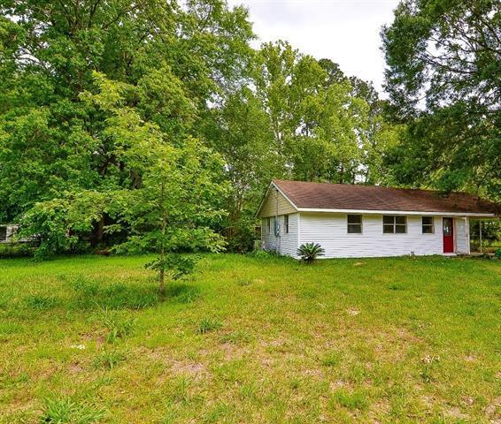 2320 S Woodcrest Avenue, Denham Springs, LA 70726 (MLS #2199793) :: Inhab Real Estate