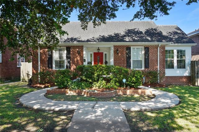 5870 Canal Boulevard, New Orleans, LA 70124 (MLS #2200259) :: Parkway Realty