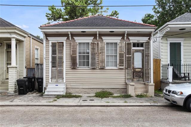 3021 Annunciation Street, New Orleans, LA 70115 (MLS #2200355) :: Inhab Real Estate