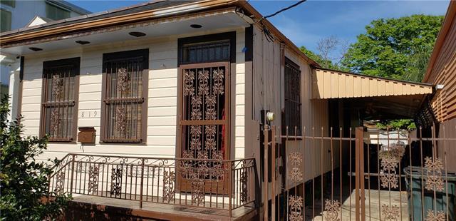 819 Ninth Street, New Orleans, LA 70115 (MLS #2200376) :: Inhab Real Estate