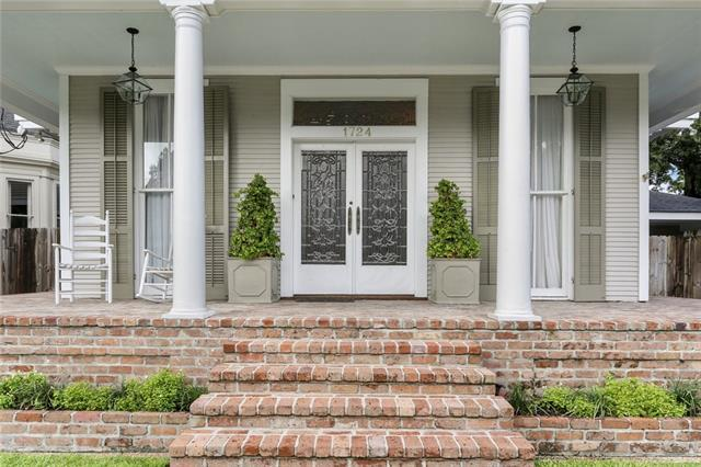 1724 Valence Street, New Orleans, LA 70115 (MLS #2200436) :: Crescent City Living LLC