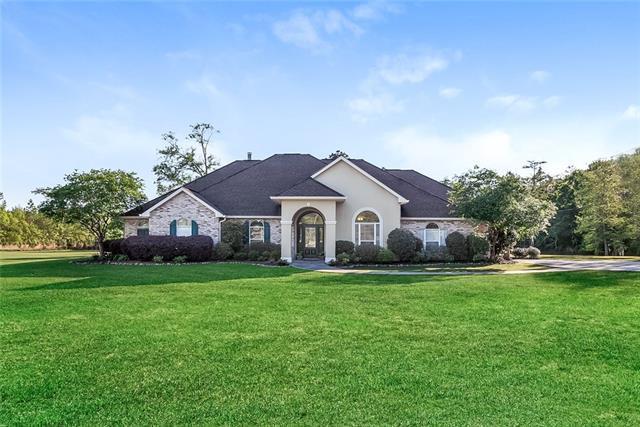 73273 Peg Keller Road, Abita Springs, LA 70420 (MLS #2200879) :: Inhab Real Estate