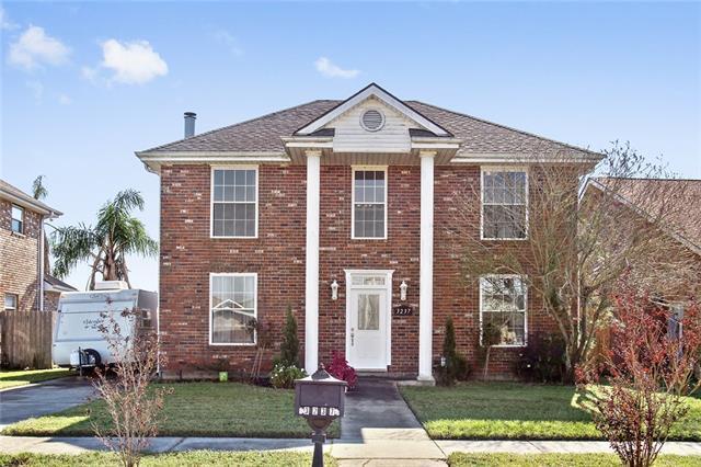 3237 Van Cleave Drive, Meraux, LA 70075 (MLS #2201051) :: Inhab Real Estate