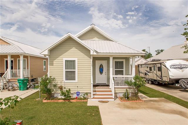 17034 Coles Creek Drive, Springfield, LA 70462 (MLS #2201185) :: Crescent City Living LLC