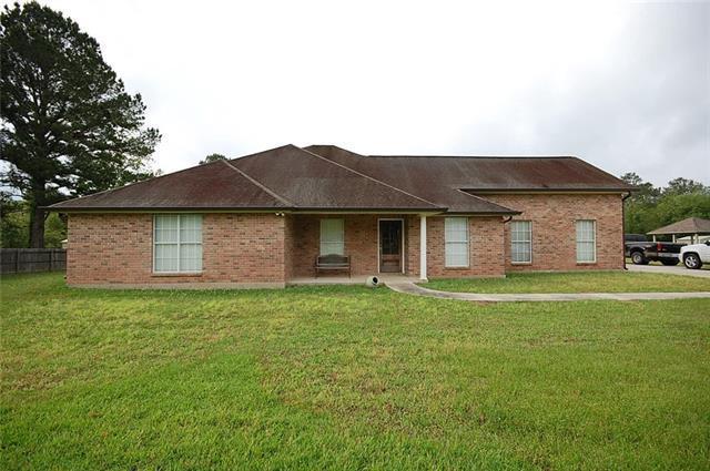 15220 Arleen Normand Drive, Covington, LA 70435 (MLS #2201879) :: Turner Real Estate Group