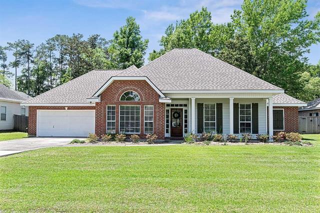 168 Cherry Creek Drive, Mandeville, LA 70448 (MLS #2202020) :: Inhab Real Estate