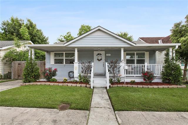 3825 Derbigny Street, Metairie, LA 70001 (MLS #2202296) :: Inhab Real Estate