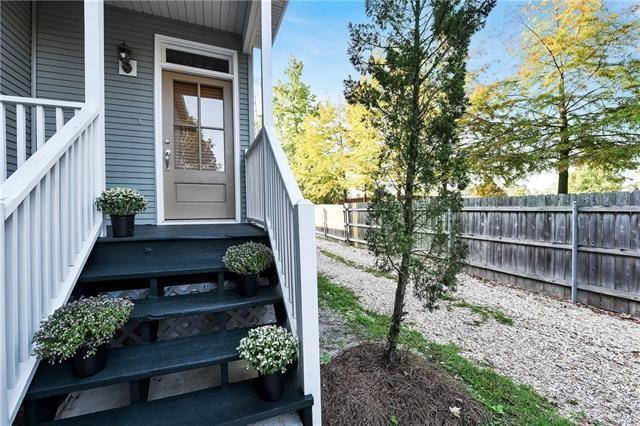 822 Carroll Street, Mandeville, LA 70448 (MLS #2202638) :: Turner Real Estate Group