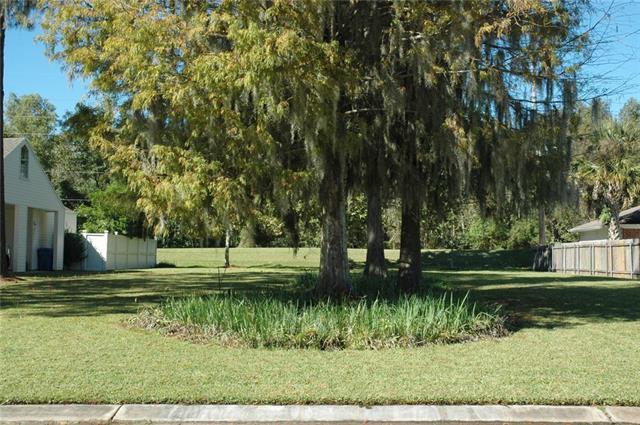 207 Villere Drive, Destrehan, LA 70047 (MLS #2202764) :: Crescent City Living LLC