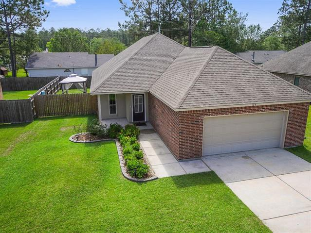 104 Trenton Drive, Mandeville, LA 70471 (MLS #2203207) :: The Sibley Group