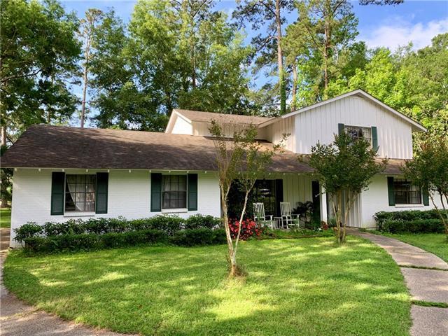 301 Abita Place, Mandeville, LA 70471 (MLS #2203282) :: Turner Real Estate Group