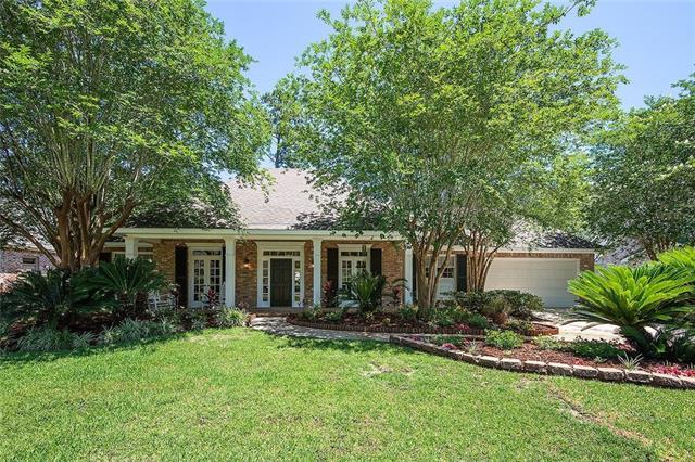114 Fontainbleau Drive, Mandeville, LA 70471 (MLS #2203389) :: Turner Real Estate Group