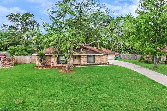 133 Oak Leaf Drive, Slidell, LA 70461 (MLS #2203950) :: The Sibley Group