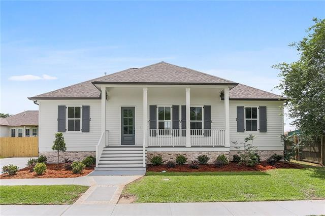 3817 Norwood Drive, Chalmette, LA 70043 (MLS #2204069) :: Top Agent Realty