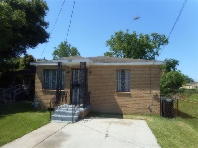 3102 Lawrence Street, New Orleans, LA 70114 (MLS #2204322) :: Crescent City Living LLC