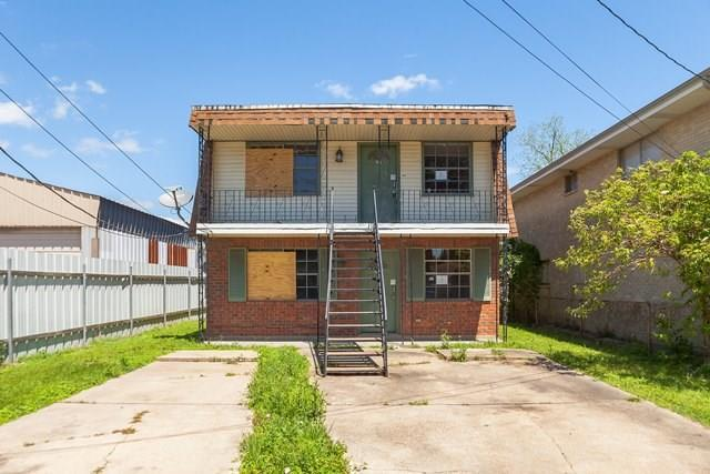 205-207 4TH Street, Chalmette, LA 70043 (MLS #2204358) :: Amanda Miller Realty