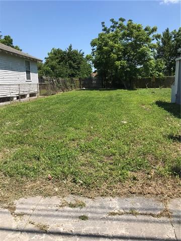 1989 Law Street, New Orleans, LA 70119 (MLS #2204373) :: Inhab Real Estate