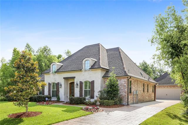 142 Green Trails Drive, Belle Chasse, LA 70037 (MLS #2204543) :: Crescent City Living LLC