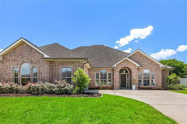 113 Orange Blossom Court, Belle Chasse, LA 70037 (MLS #2204694) :: Top Agent Realty