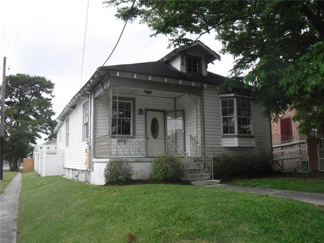 2482 Jasmine Street, New Orleans, LA 70122 (MLS #2204820) :: Crescent City Living LLC