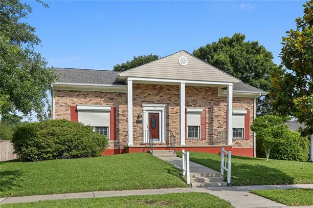 728 Goucher Street, Gretna, LA 70056 (MLS #2204925) :: Crescent City Living LLC