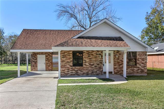396 Barton Avenue, Luling, LA 70070 (MLS #2204952) :: Top Agent Realty