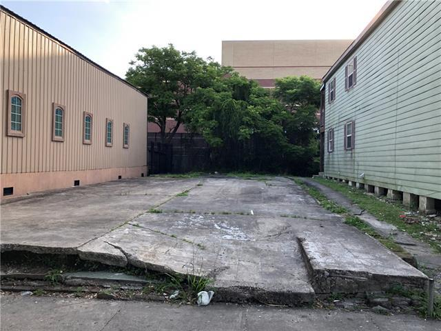 2523-25 Washington Avenue, New Orleans, LA 70113 (MLS #2205002) :: Crescent City Living LLC