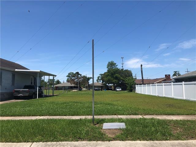 3836 Plaza Drive, Chalmette, LA 70043 (MLS #2205028) :: Top Agent Realty