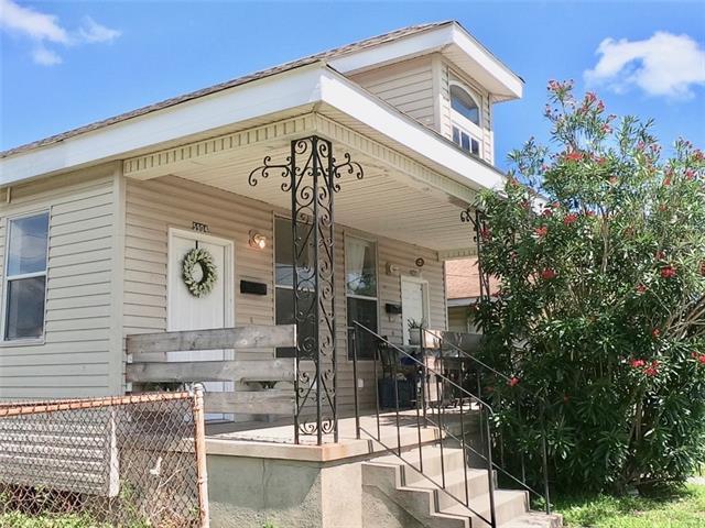 5904 Marigny Street, New Orleans, LA 70122 (MLS #2205142) :: Crescent City Living LLC