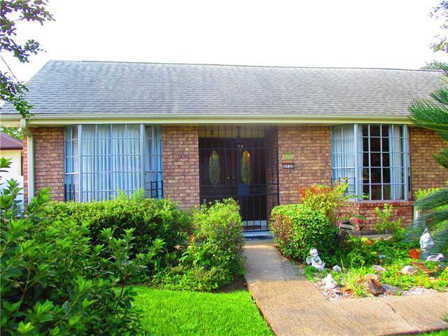 3732 General Meyer Avenue, New Orleans, LA 70114 (MLS #2205237) :: Crescent City Living LLC