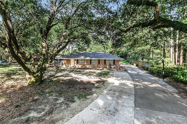 121 Golfers Drive, Covington, LA 70433 (MLS #2205408) :: Turner Real Estate Group