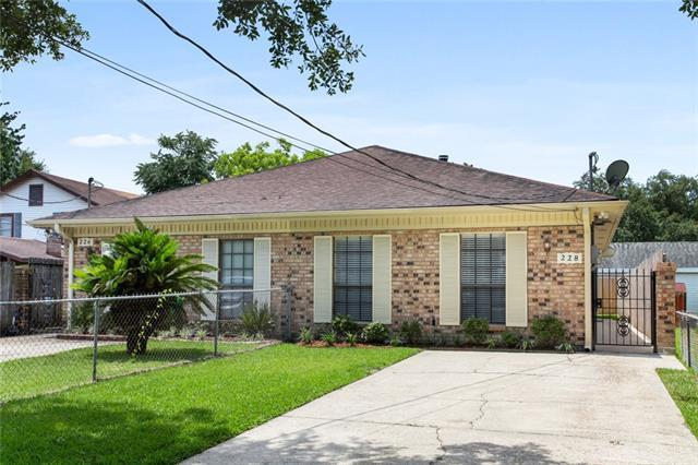 228 Transcontinental Drive, Metairie, LA 70001 (MLS #2205499) :: Watermark Realty LLC