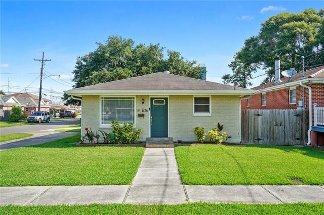 121 Vine Street, Metairie, LA 70005 (MLS #2205629) :: Top Agent Realty