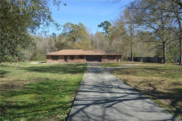 29233 Henry White Road, Albany, LA 70711 (MLS #2206011) :: ZMD Realty